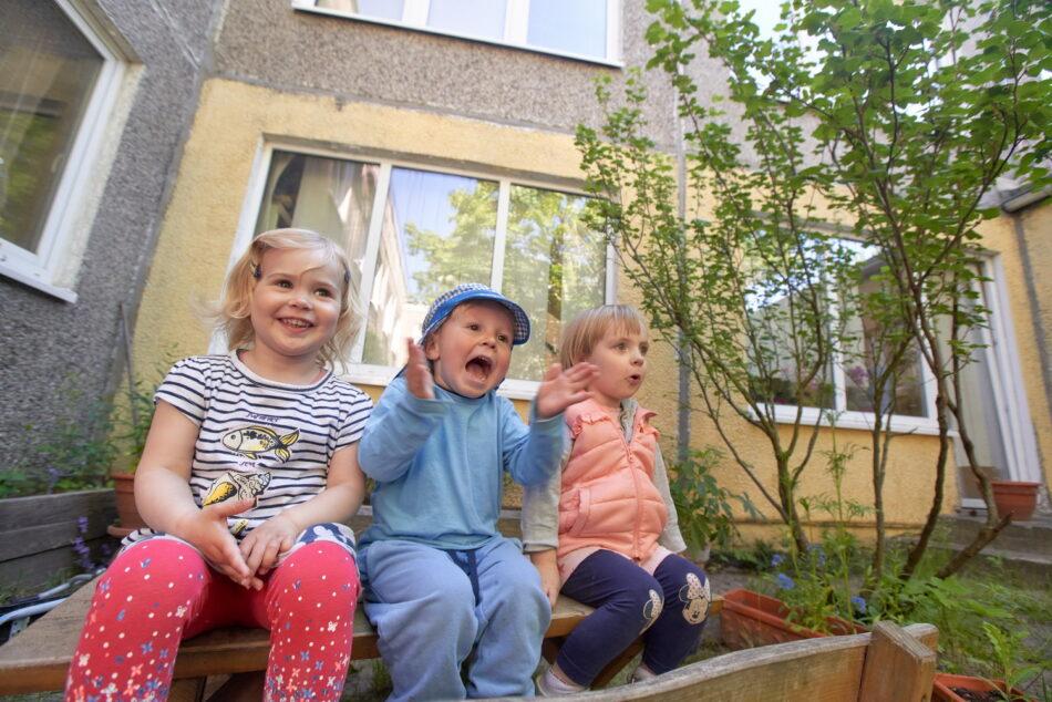 Bild-Kinder-Krabbelgruppe-Oekohaus